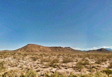 4288 Topaz Road, Golden Valley, AZ 86413